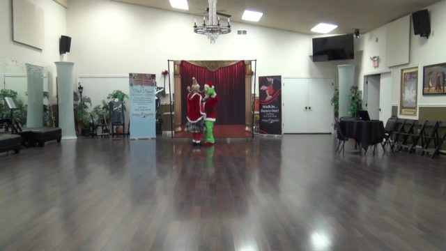Thank you Jonathan & Stacee for participating in our Holiday Montage and spreading the joy of dance! Happy Holidays!  #arthurmurraylifestyle #Bloomington #indianauniversitybloomington  #bloomingtondance  #dancebloomington #couplesfun